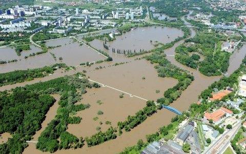 Die Arbeit des Katastrophenschutzstabes bei der Hochwasserflut 2013