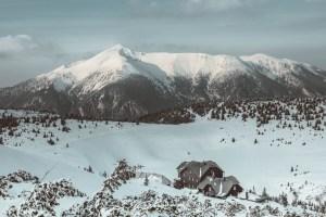 Blick von der Rax auf den Schneeberg