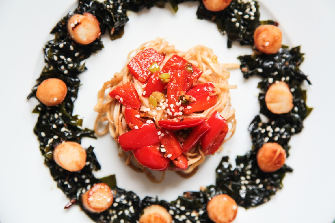 Quick and Easy Scallops with Asian Noodles and Seaweed Salad
