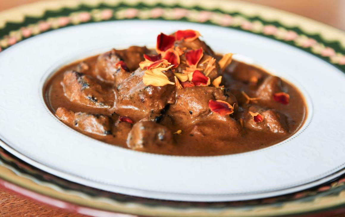 Fragrant and super creamy curry with pork skewers   Berries and Spice