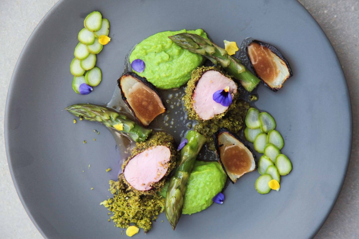 How to plate dishes worthy of a fine dining restaurant - the complete guide | Berries and Spice
