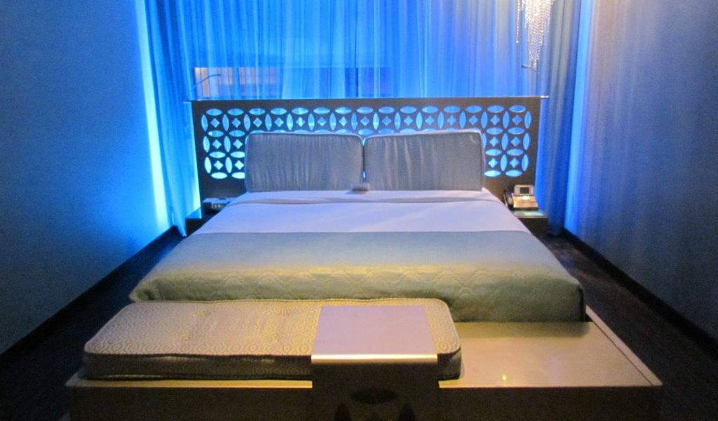Dream Hotel South Beach Deluxe King Bed
