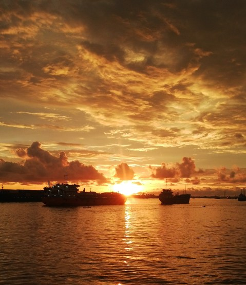 Sunset_at_Pontianak_-_ID