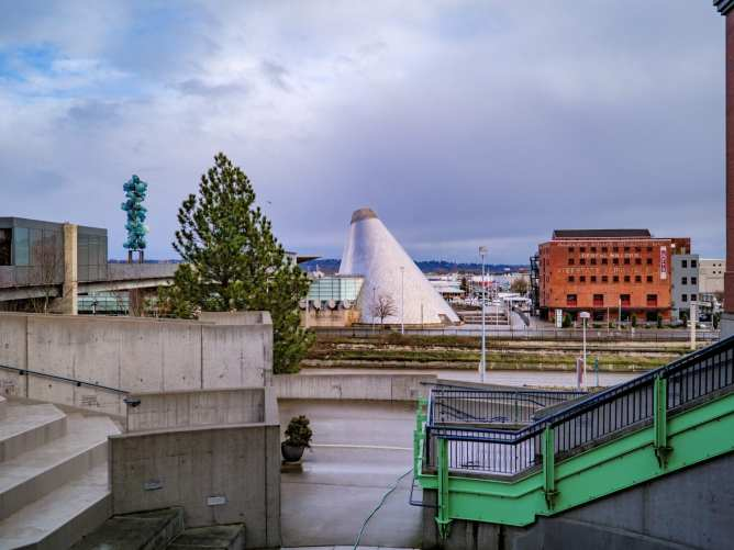 2018-01-21 Tacoma Museum of Glass 12-41-40