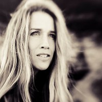 Heather Nova - Girl on the Mountain #videopremiere @PopMatters @Nova_Says