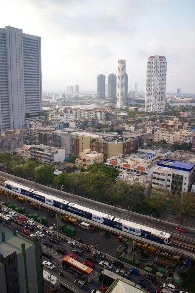 Uitzicht over Bangkok vanuit appartement Guus en May