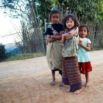 Plattelandsmeisjes. Ban Houaykou-Tai, Laos