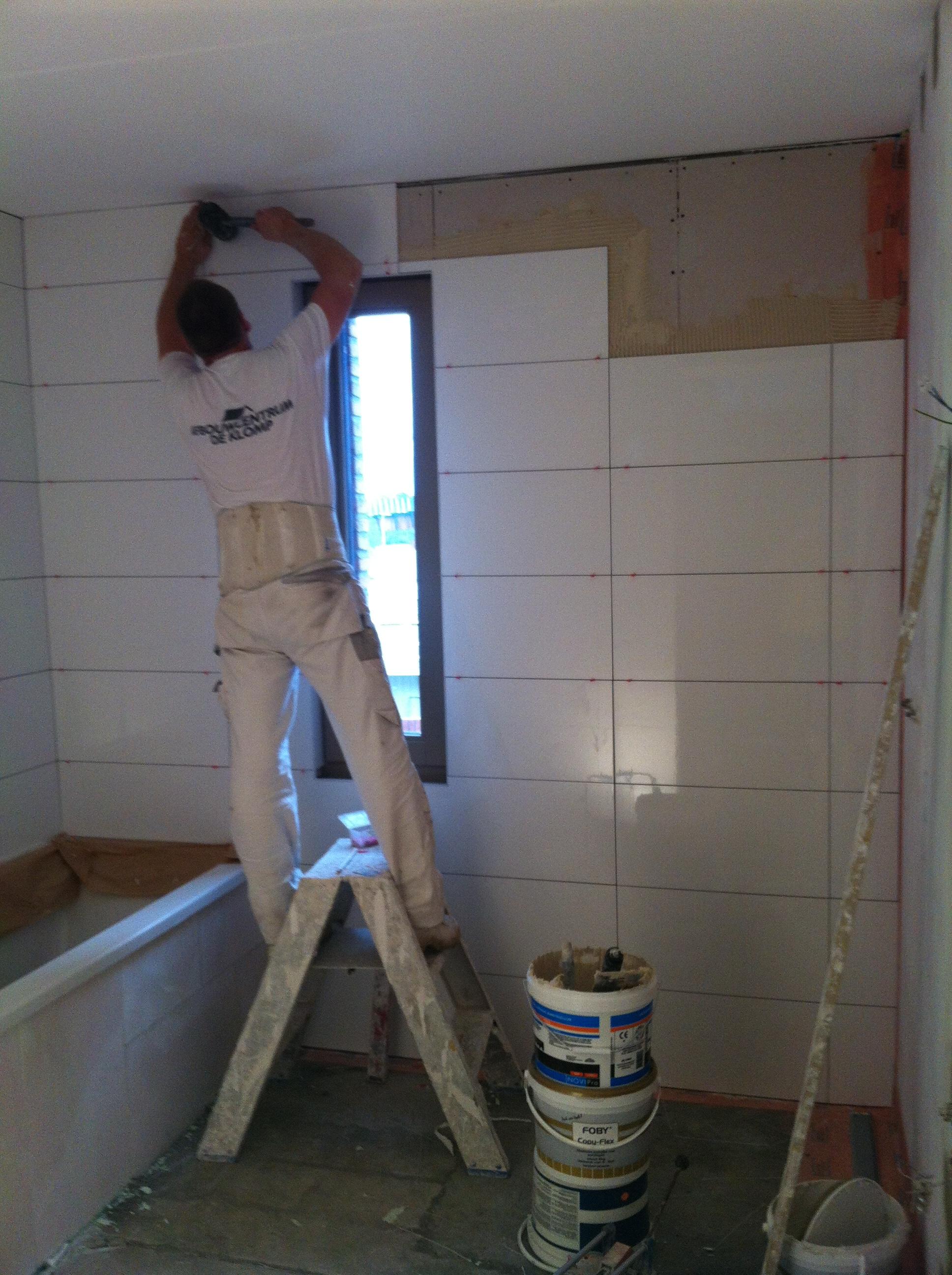 Badkamer Zelf Tegelen : Badkamer tegelen youtube badkamers archieven jarin douche tegels