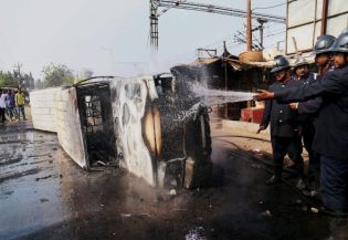 Rail traffic disrupted in Mumbai