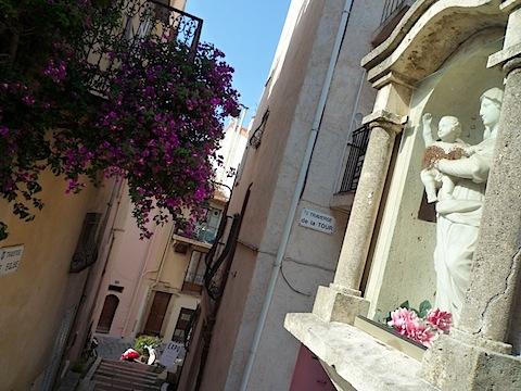 Une ruelle de Cannes