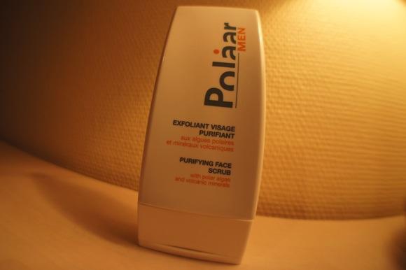 Test du nouvel exfoliant visage purifiant de Polaar Men