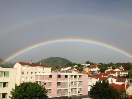Mercredi 18 septembre : double arc-en-ciel à ma fenêtre