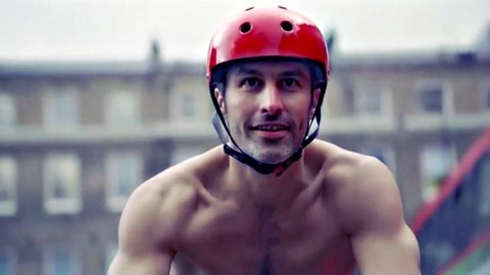 naked-cyclist-british