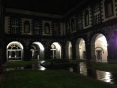 Mardi 25 mars : la cour de l'Hôtel de Ville de Clermont