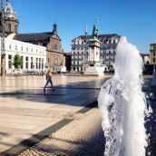 Jeudi 4 juin 2015 : Place de Jaude à Clermont avant une chaude journée