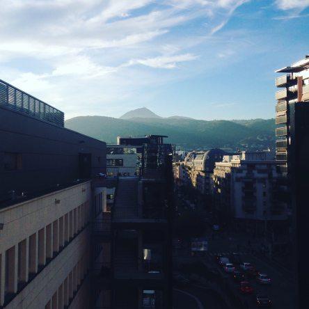 Le Puy-de-Dôme vue de l'école de management de l'Université d'Auvergne