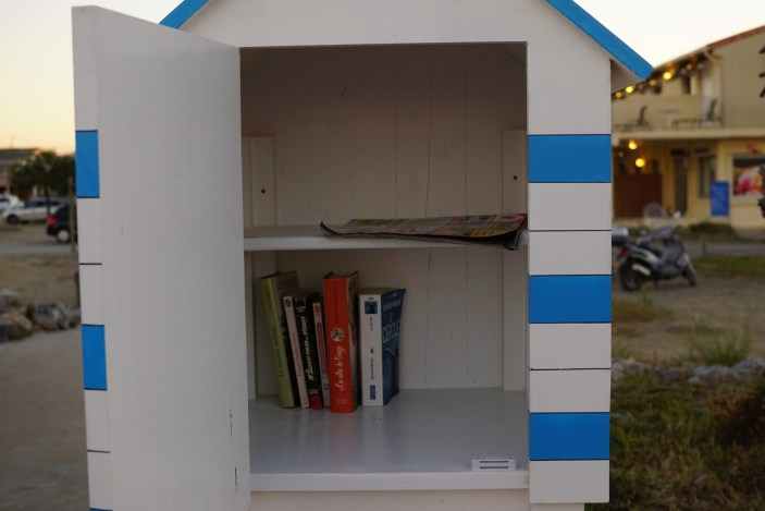 gruissan-bibliotheque-plages-cabanot-chalets-interieur