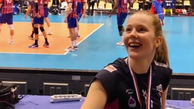 Finale de la Coupe de France de Volley. La jeune suédoise Isabelle Haak garde le sourire malgré la défaite de son équipe