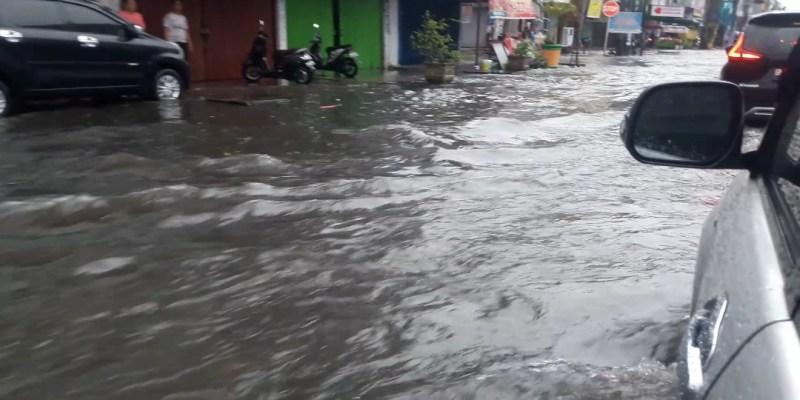 Banjir di Jalan Soekarno-Hatta, Ini Kata PUPR Pekanbaru