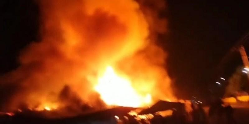 Video: Kepanikan Warga Saat Api Melalap Pasar SP 1, Desa Kilang Jaya, Tapung Hilir, Kampar