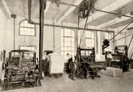 altes Foto: industrialisierte Großbuchbinderei