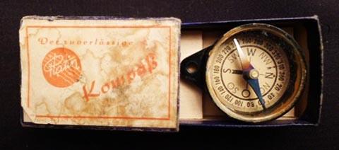 kleiner Kompass in Schachtel