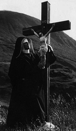 Nonne, Jesuskreuz