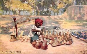 indischer Töpfer stellt Gefäße für Wasserpfeifen her