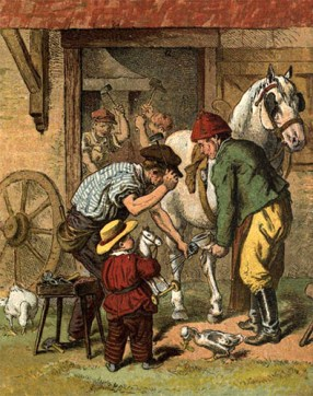 kolorierte Zeichnung: vor der Schmiede weißes Pferd, Bauer und Hufschmied bei Aufschlgen eines Hufeisens, davor kleiner Bub mit Spielzeugpferd