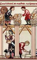 Kolorierte Zeichnung: mehrere Bauleute bei verschiedenen Tätigkeiten auf einer Kirchenbaustelle