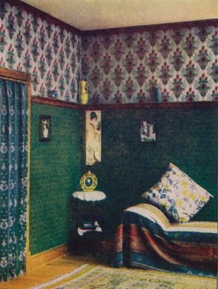 Wohnzimmer mit aparter Tapete