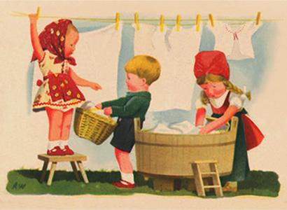 Kinder spielen Wäsche waschen