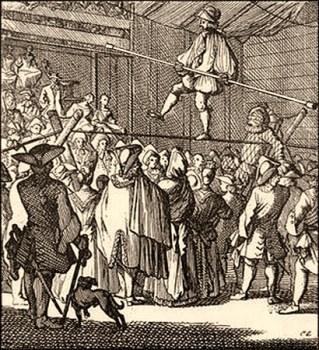Kupferstich: Seiltänzer läuft mit Balancierstange über ein Seil zwischen zwei Holzböcken und viele Leute schauen zu - 1730