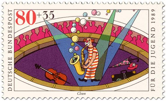 Briefmarke: Musikclown mit Saxophon in der Manege
