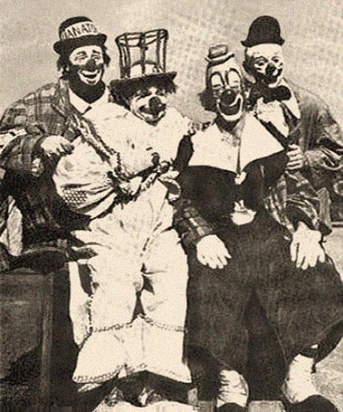 sw Gruppenfoto: Clowns-Quartett