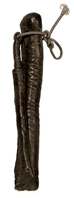 sw Foto: Lederschlauch - halb ausgestopft, dünneres Ende umgeknickt und mit Band fixiert - 1900