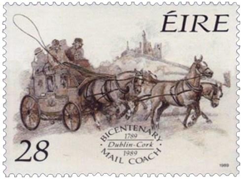 Briefmarke: Vierspänner-Postkutsche passiert Burg auf Anhöhe