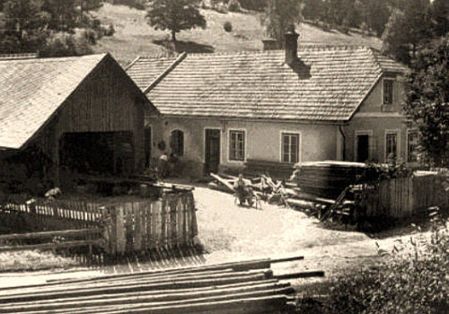 sw Foto: Blick auf Werkstatt und Hof eines Leitermachers - 1938, Österreich