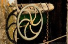 Farbfoto: altes Handkurbelrad für Schleusentor - 2009