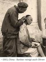 sw Fotopostkarte: Barbier reinigt auch Ohren ~1915, China