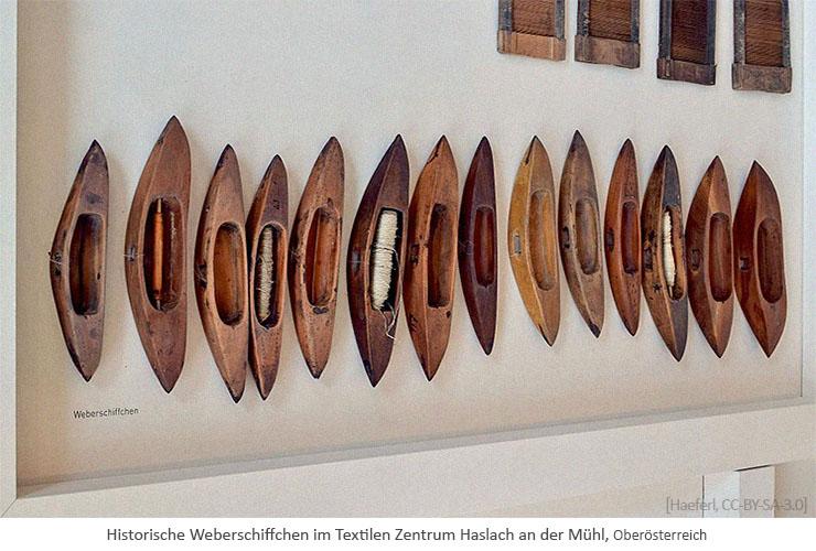 Farbfoto: Hist. Weberschiffchen im Textilen Zentrum Haslach an der Mühl - 2016, AT