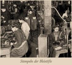 sw Foto: Frauen stempeln die Bleistifte