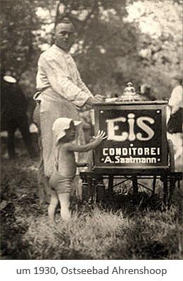 sw Foto: Eisverkäufer im Ostseebad Ahrenshoop ~1930