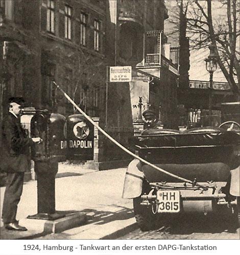 sw Foto: Tankwart an der ersten DAPG-Tankstation - 1924, Hamburg