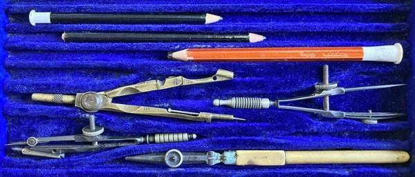 alte Stifte und Zirkel