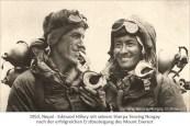 sw Foto: Edmund Hillary mit Sherpa Tenzing Norgay nach erfolgreicher Erstbesteigung des Mount Everest - 1953, Nepal