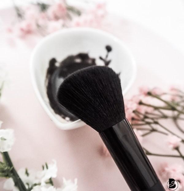 DIY Peel Off Maske fürs Gesicht mit Aktivkohle plus DIY Aktivkohle Peeling Peel Off Maske DIY, Anleitung: Peel Off Maske selber machen, Peeling selber machen fürs Gesicht Charcoal Peeling, charcoal scrub, charcoal mask