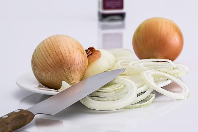 why crying when chopping onions