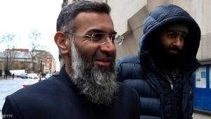 LONDON, ENGLAND - JANUARY 14:  Anjem Choudary (L) arrives at The Old Bailey on January 14, 2016 in London, England. Anjem Choudary, 48, is accused alongside Mohammed Rahman, 32, of inviting support for the so-called Islamic State (ISIS) terror group.  (Photo by Ben Pruchnie/Getty Images)