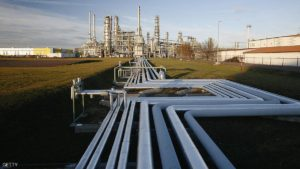 "LEUNA, GERMANY - JANUARY 10: Pipelines are seen at the TOTAL oil refinery on January 10, 2007 in Leuna, Germany. Crude oil from Russia has stopped flowing to the PCK refinery since 6:00 AM January 8 due to a row between Russia and Belarus over how much Belarus should pay for Russian oil. Initial reports claimed Belarus had turned off the flow of crude oil through the ""Druzhba"" pipeline as a means to negotiate a better price. German oil reserves are still substantial, though Chancellor Angela Merkel announced her country must not depend too much on one source for its energy needs. (Photo by Katja Buchholz/Getty Images)"